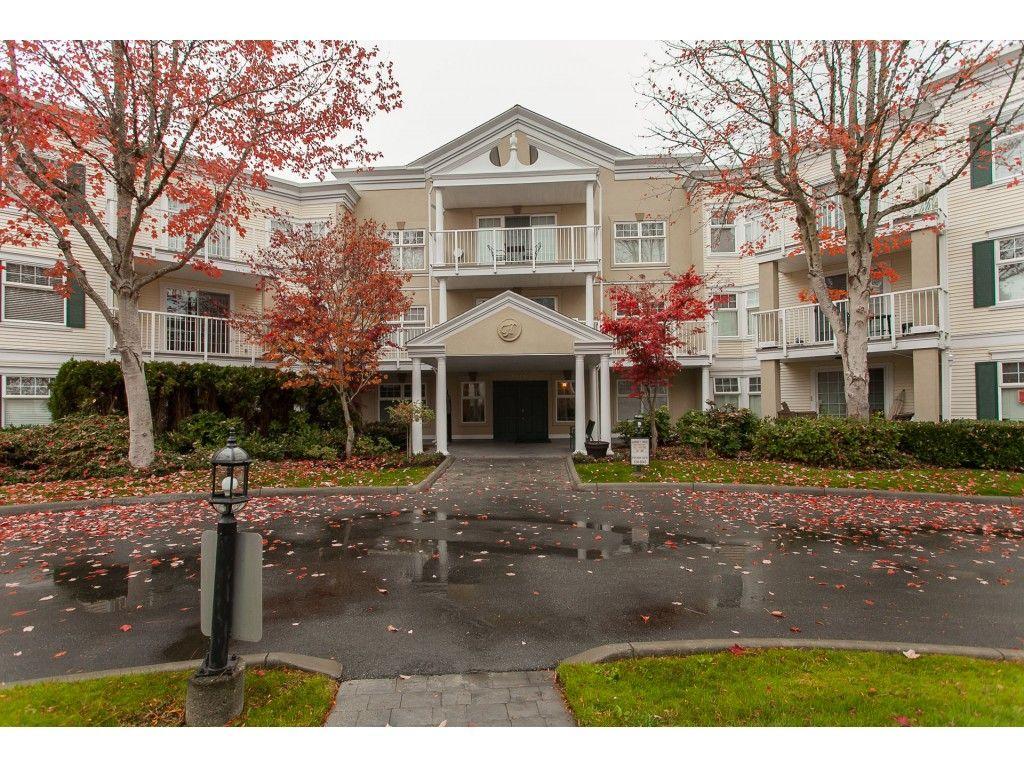 "Main Photo: 305 16085 83 Avenue in Surrey: Fleetwood Tynehead Condo for sale in ""Fairfield House"" : MLS®# R2220856"