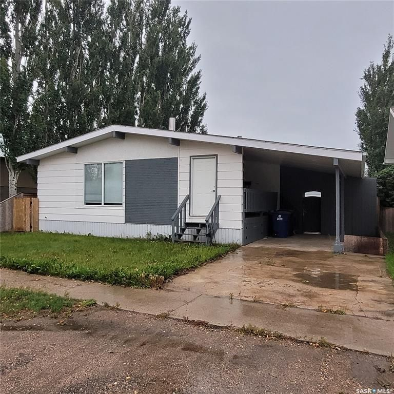 Main Photo: 419 2nd Avenue in Allan: Residential for sale : MLS®# SK868445