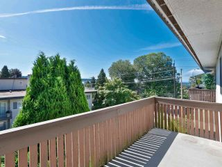 """Photo 18: 301 910 FIFTH Avenue in New Westminster: Uptown NW Condo for sale in """"Grosvenor Court"""" : MLS®# R2478805"""