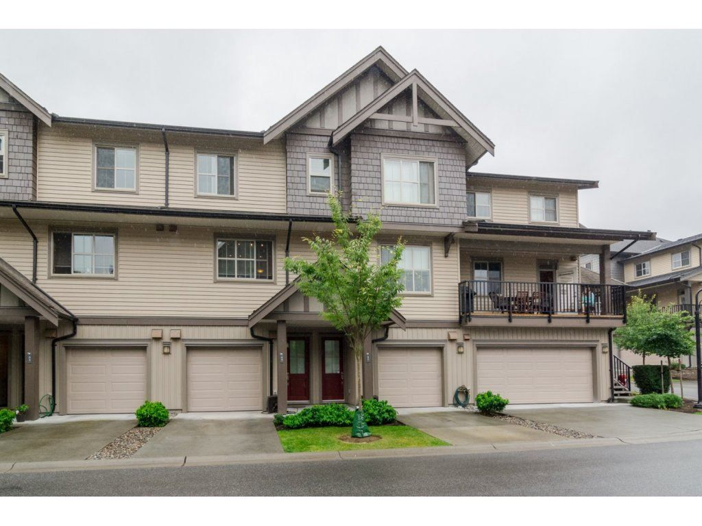 Main Photo: 44 9525 204 Street in Langley: Walnut Grove Townhouse for sale : MLS®# R2099662