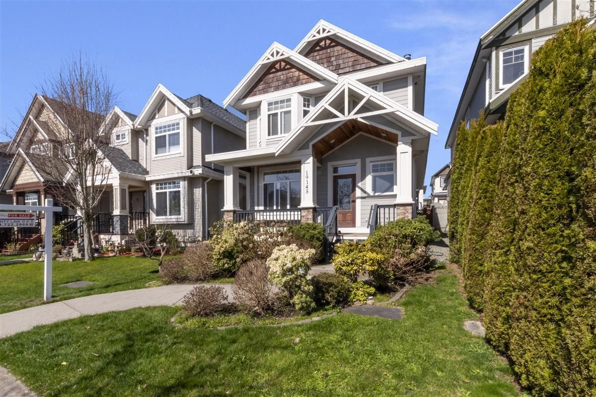 Main Photo: 19145 67A Avenue in Surrey: Clayton House for sale (Cloverdale)  : MLS®# R2600167