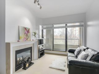 """Photo 5: 408 7368 SANDBORNE Avenue in Burnaby: South Slope Condo for sale in """"MAYFAIR 1"""" (Burnaby South)  : MLS®# R2380990"""
