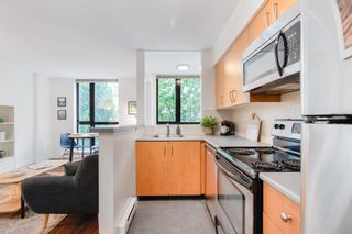 """Photo 13: 311 1295 RICHARDS Street in Vancouver: Downtown VW Condo for sale in """"THE OSCAR"""" (Vancouver West)  : MLS®# R2604115"""