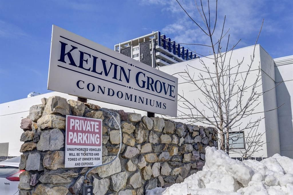 Main Photo: 133 6919 Elbow Drive SW in Calgary: Kelvin Grove Row/Townhouse for sale : MLS®# A1078687