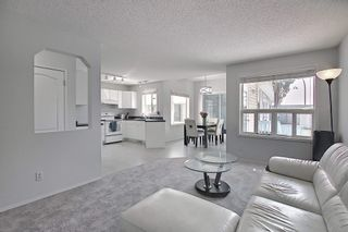 Photo 2: 288 Dunvegan Road in Edmonton: Zone 01 House for sale : MLS®# E4256564