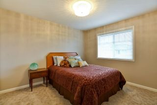 """Photo 13: 7 6177 169 Street in Surrey: Cloverdale BC Townhouse for sale in """"NORTHVIEW WALK"""" (Cloverdale)  : MLS®# R2256305"""