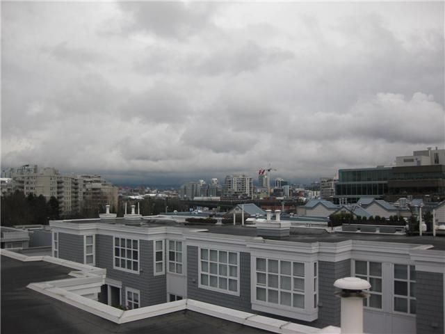 "Main Photo: 661 W 7TH AV in Vancouver: Fairview VW Condo for sale in ""The Ivey's"" (Vancouver West)  : MLS®# V819792"