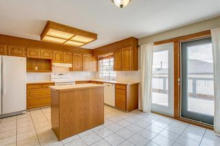 Photo 5: 2017 37 Street SE in Calgary: Forest Lawn Detached for sale : MLS®# A1101949