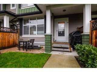 """Photo 2: 16 18199 70TH Avenue in Surrey: Cloverdale BC Townhouse for sale in """"Augusta"""" (Cloverdale)  : MLS®# F1424865"""