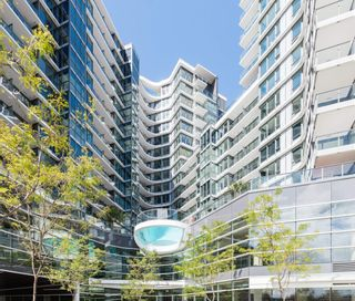 """Photo 2: 1518 68 SMITHE Street in Vancouver: Downtown VW Condo for sale in """"ONE PACIFIC"""" (Vancouver West)  : MLS®# R2618128"""