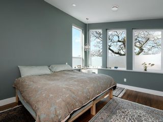 Photo 17: 17 Eaton Ave in : VR Hospital House for sale (View Royal)  : MLS®# 874484