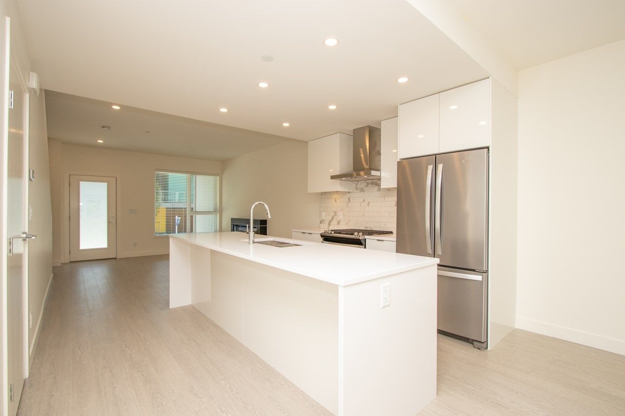 """Main Photo: 25 3596 SALAL Drive in North Vancouver: Roche Point Townhouse for sale in """"SEYMOUR VILLAGE 2"""" : MLS®# R2365815"""