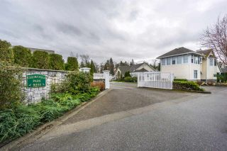 """Photo 1: 124 9208 208 Street in Langley: Walnut Grove Townhouse for sale in """"CHURCHILL PARK"""" : MLS®# R2150916"""