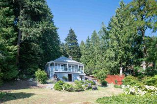 Photo 2: 5429 INDIAN RIVER Drive in North Vancouver: Woodlands-Sunshine-Cascade House for sale : MLS®# R2515076