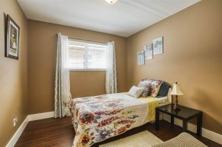 """Photo 18: 18468 66A Avenue in Surrey: Cloverdale BC House for sale in """"HEARTLAND"""" (Cloverdale)  : MLS®# R2476706"""