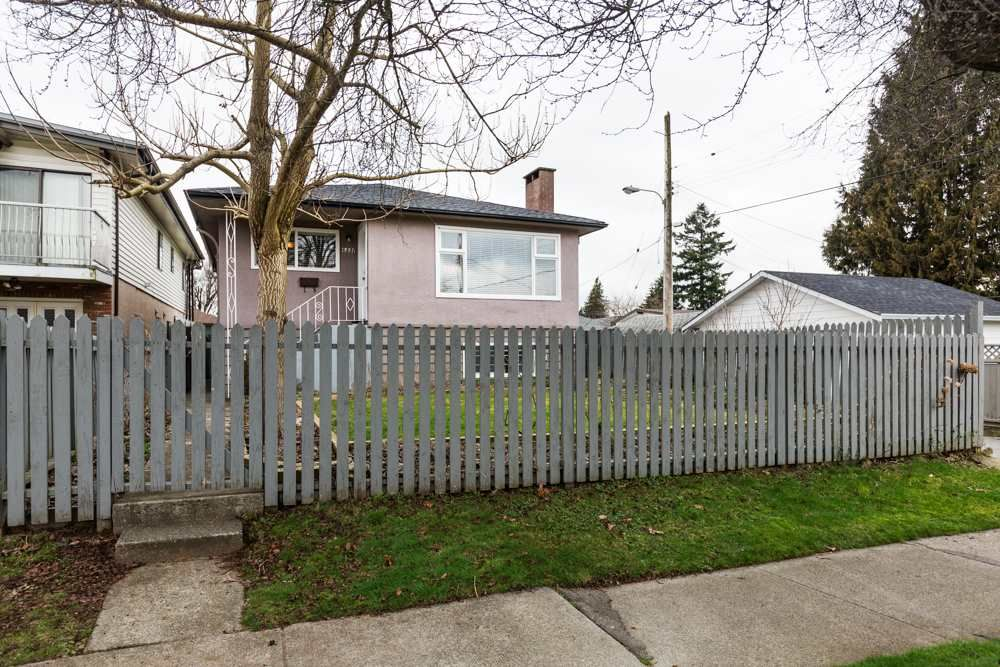 Main Photo: 6551 BERKELEY Street in Vancouver: Killarney VE House for sale (Vancouver East)  : MLS®# R2538910