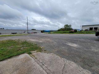 Photo 3: 453 Portsway Avenue in Edwardsville: 202-Sydney River / Coxheath Commercial  (Cape Breton)  : MLS®# 202122427