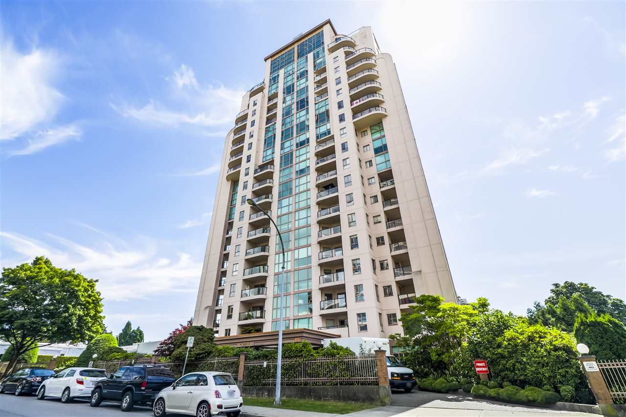 "Main Photo: 304 612 FIFTH Avenue in New Westminster: Uptown NW Condo for sale in ""The Fifth Avenue"" : MLS®# R2497406"
