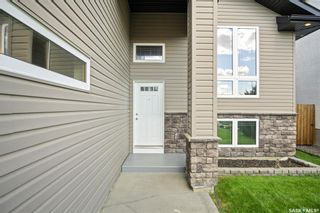 Photo 3: 1410 Willowgrove Court in Saskatoon: Willowgrove Residential for sale : MLS®# SK866330