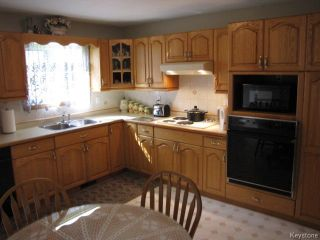 Photo 6: 1286 Leila Avenue in WINNIPEG: Maples / Tyndall Park Residential for sale (North West Winnipeg)  : MLS®# 1420267
