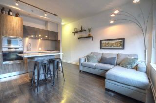 """Photo 4: 304 123 W 1ST Avenue in Vancouver: False Creek Condo for sale in """"COMPASS"""" (Vancouver West)  : MLS®# R2554885"""