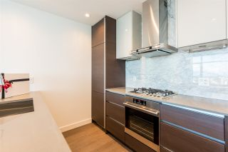 """Photo 2: 3307 4670 ASSEMBLY Way in Burnaby: Metrotown Condo for sale in """"Station Square"""" (Burnaby South)  : MLS®# R2426014"""