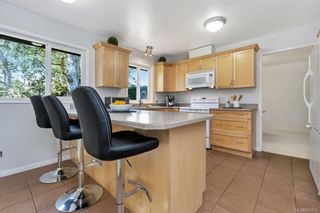 Photo 11: 1209 Camas Crt in Saanich: SE Lake Hill House for sale (Saanich East)  : MLS®# 844776