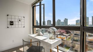 """Photo 7: 902 488 HELMCKEN Street in Vancouver: Yaletown Condo for sale in """"Robison Tower"""" (Vancouver West)  : MLS®# R2580048"""