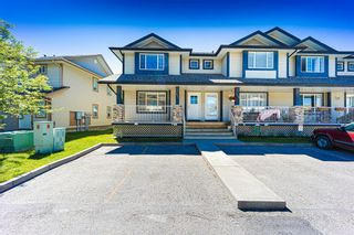 Photo 2: 121 Citadel Point NW in Calgary: Citadel Row/Townhouse for sale : MLS®# A1121802