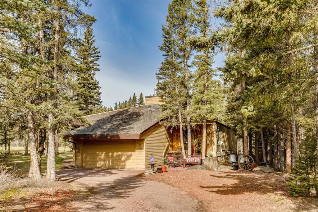 Main Photo: 13 Wolf Crescent in Rural Rocky View County: Rural Rocky View MD Detached for sale : MLS®# A1103549