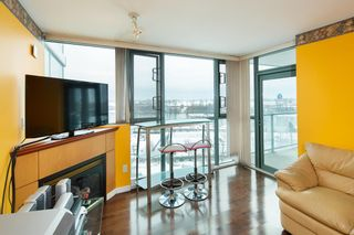 """Photo 5: 1006 2763 CHANDLERY Place in Vancouver: Fraserview VE Condo for sale in """"THE RIVER DANCE"""" (Vancouver East)  : MLS®# R2341147"""
