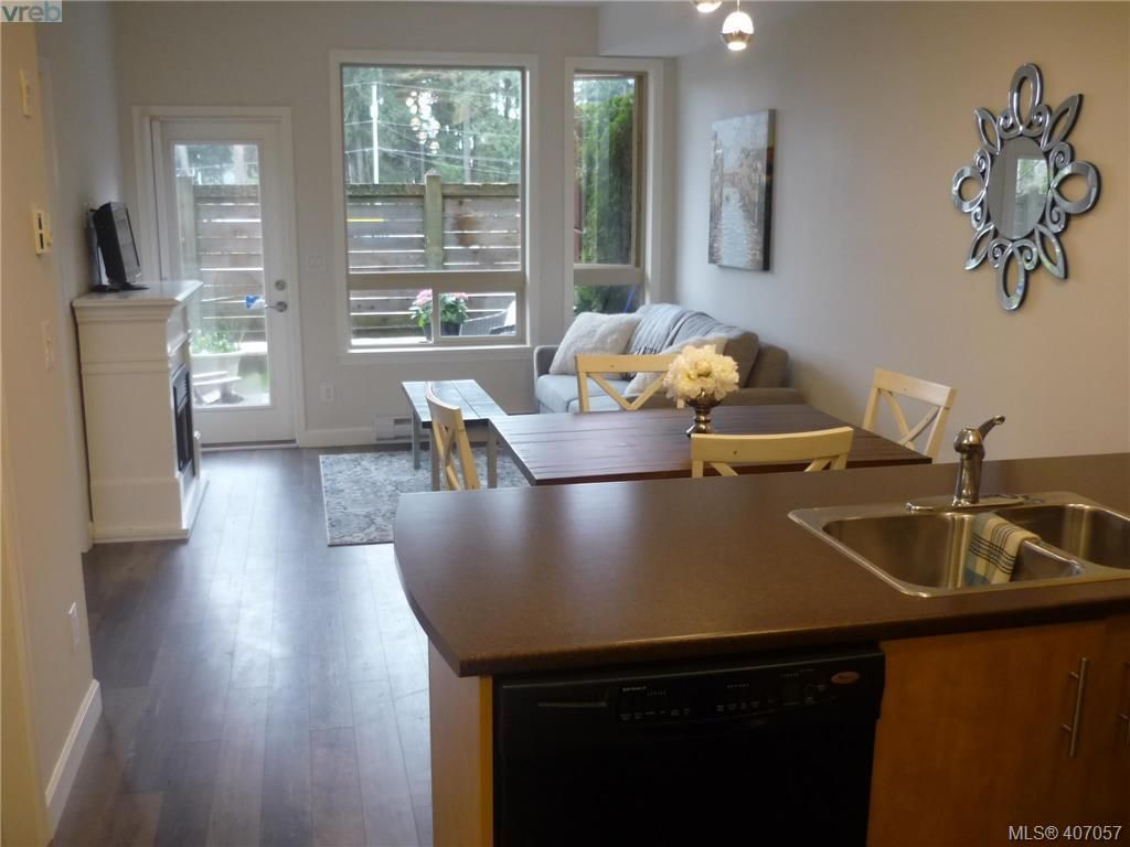Photo 4: Photos: 103 825 Goldstream Ave in VICTORIA: La Langford Proper Condo for sale (Langford)  : MLS®# 808915