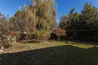 Photo 2: 2210 MADRONA Place in Surrey: King George Corridor House for sale (South Surrey White Rock)  : MLS®# R2221007