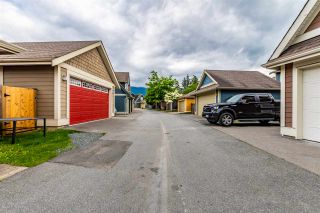"Photo 33: 5933 MATSQUI Street in Chilliwack: Vedder S Watson-Promontory 1/2 Duplex for sale in ""GARRISON CROSSING"" (Sardis)  : MLS®# R2461890"