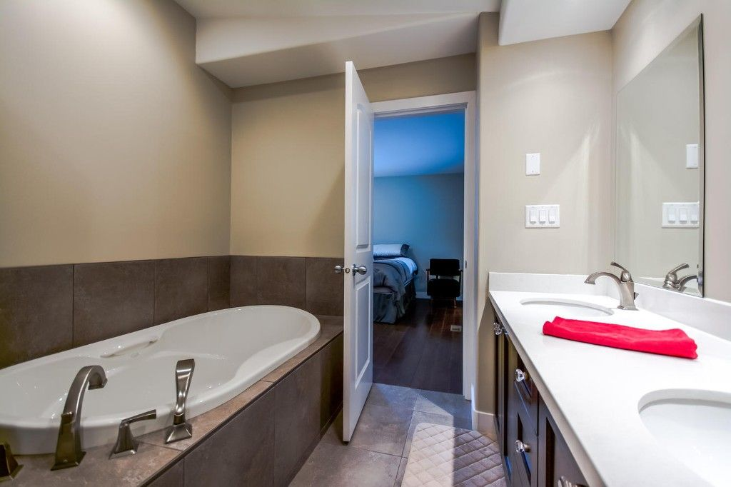 Photo 36: Photos: 4369 200a Street in Langley: Brookswood House for sale : MLS®# R2068522