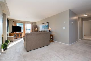 "Photo 4: 312 20177 54A Avenue in Langley: Langley City Condo for sale in ""STONEGATE"" : MLS®# R2419590"