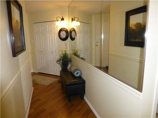 """Photo 3: 202 1378 FIR Street: White Rock Condo for sale in """"CHATSWORTH MANOR"""" (South Surrey White Rock)  : MLS®# F1434479"""
