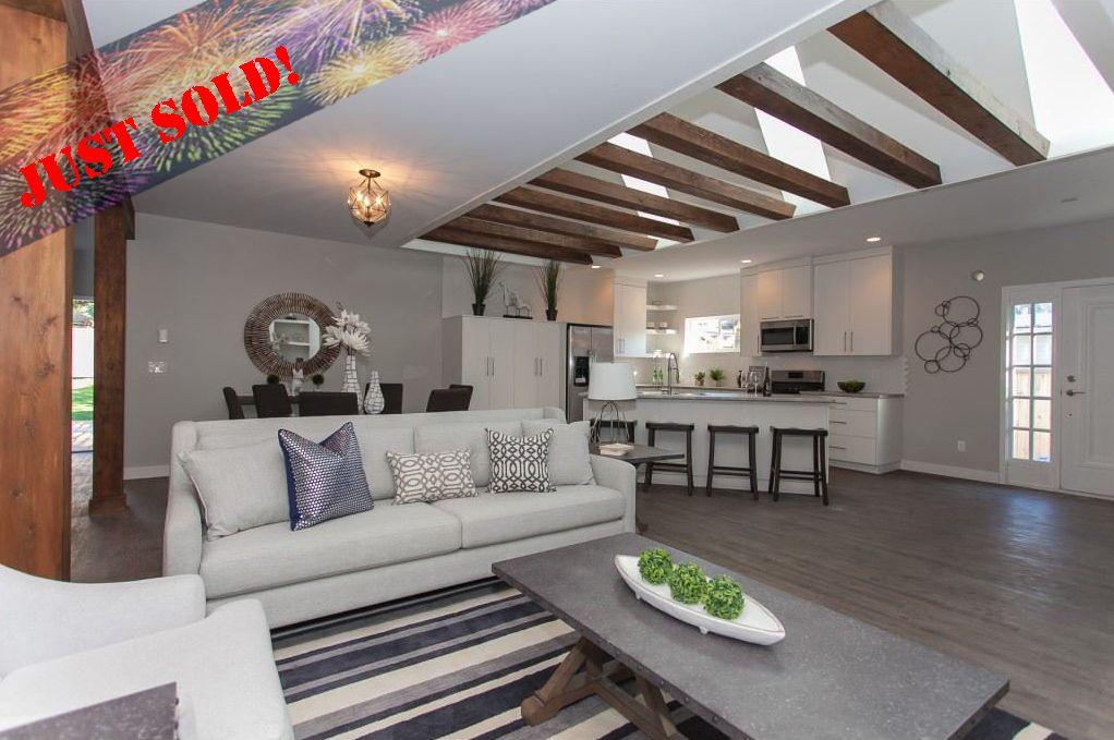 Main Photo: 11366-11370 MAPLE CRESCENT in Maple Ridge: Southwest Maple Ridge House for sale : MLS®# R2389937