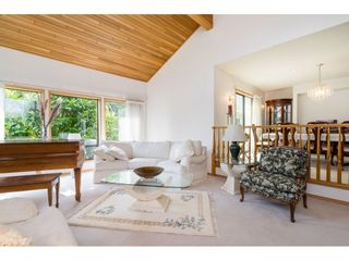 Photo 4: 5319 SOUTHRIDGE Place in Surrey: Panorama Ridge House for sale : MLS®# R2612903