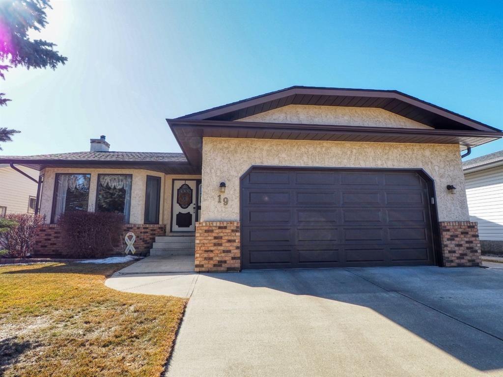 Main Photo: 19 Elder Street: Red Deer Detached for sale : MLS®# A1083551