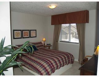 Photo 10: 203 Royal Ridge Mount NW in Calgary: Royal Oak Residential Detached Single Family for sale : MLS®# C3376574