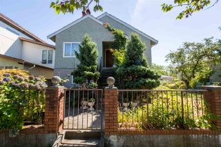 Photo 1: Collingwood - 4984 Moss Street, Vancouver BC