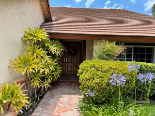 Photo 3: House for sale : 4 bedrooms : 2324 RIPPEY COURT in El Cajon