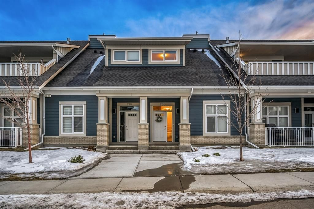 Main Photo: 200 Silverado Plains Park SW in Calgary: Silverado Row/Townhouse for sale : MLS®# A1089118