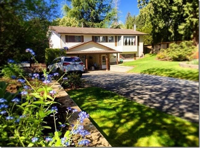 Photo 2: Photos: 8045 CARIBOU STREET in Mission: Mission BC House for sale : MLS®# R2059523