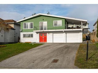 """Photo 1: 18463 56 Avenue in Surrey: Cloverdale BC House for sale in """"CLOVERDALE"""" (Cloverdale)  : MLS®# R2531383"""