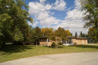 Photo 2: 6 Dora Place in Dugald: Single Family Detached for sale : MLS®# 1526190