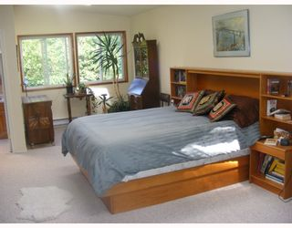 "Photo 4: 1459 GOWER POINT Road in Gibsons: Gibsons & Area House for sale in ""Gower Point"" (Sunshine Coast)  : MLS®# V770276"
