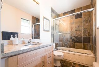 """Photo 15: 2 1511 MAHON Avenue in North Vancouver: Central Lonsdale Townhouse for sale in """"Heritage Court"""" : MLS®# R2206665"""