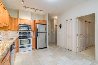 """Photo 5: 106 2511 KING GEORGE Boulevard in Surrey: King George Corridor Condo for sale in """"PACIFICA RETIREMENT RESORT"""" (South Surrey White Rock)  : MLS®# R2388617"""